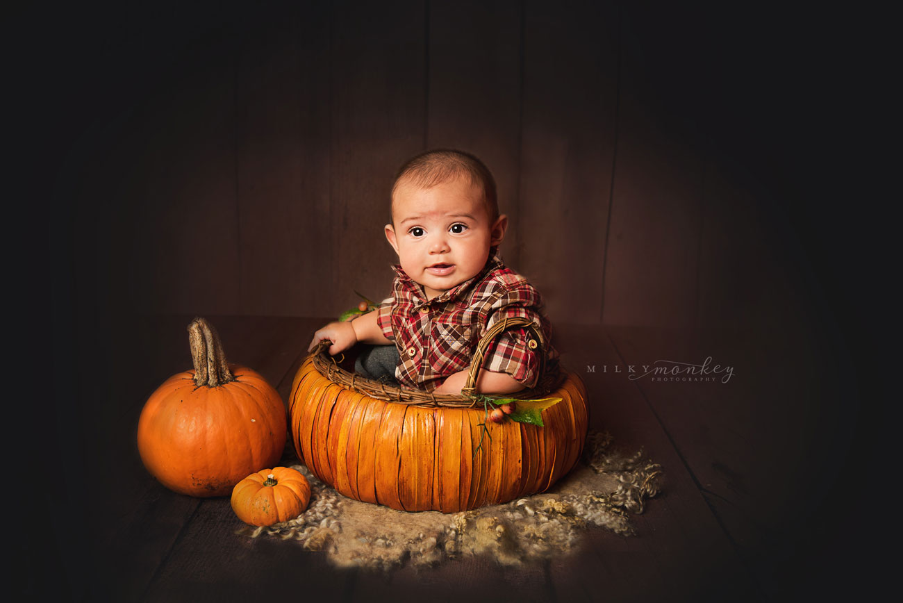 Maryland-Baby-Photographer-halloween-baby-pumpkin-milky-monkey-photography