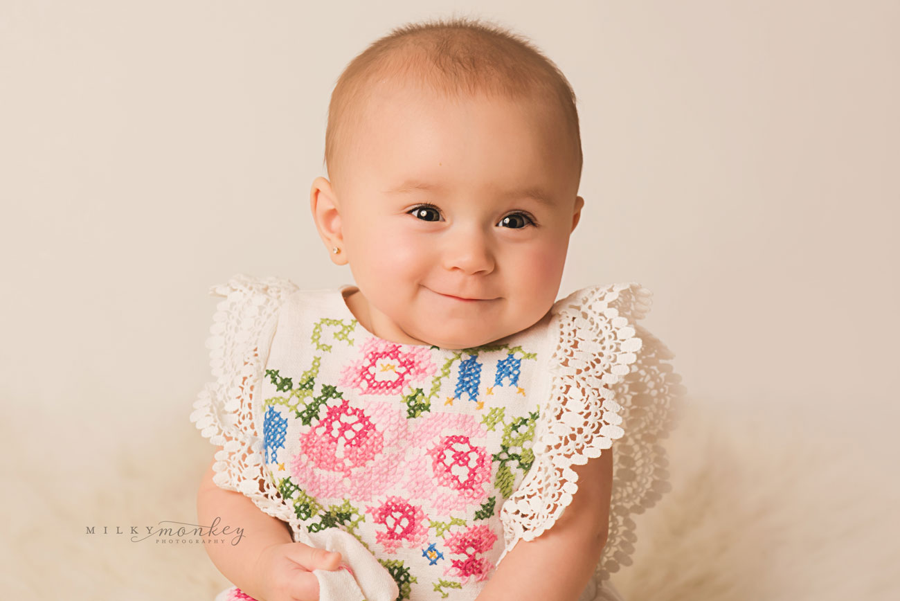 maryland-baby-photographer-6-month-girl-sitter-portraits