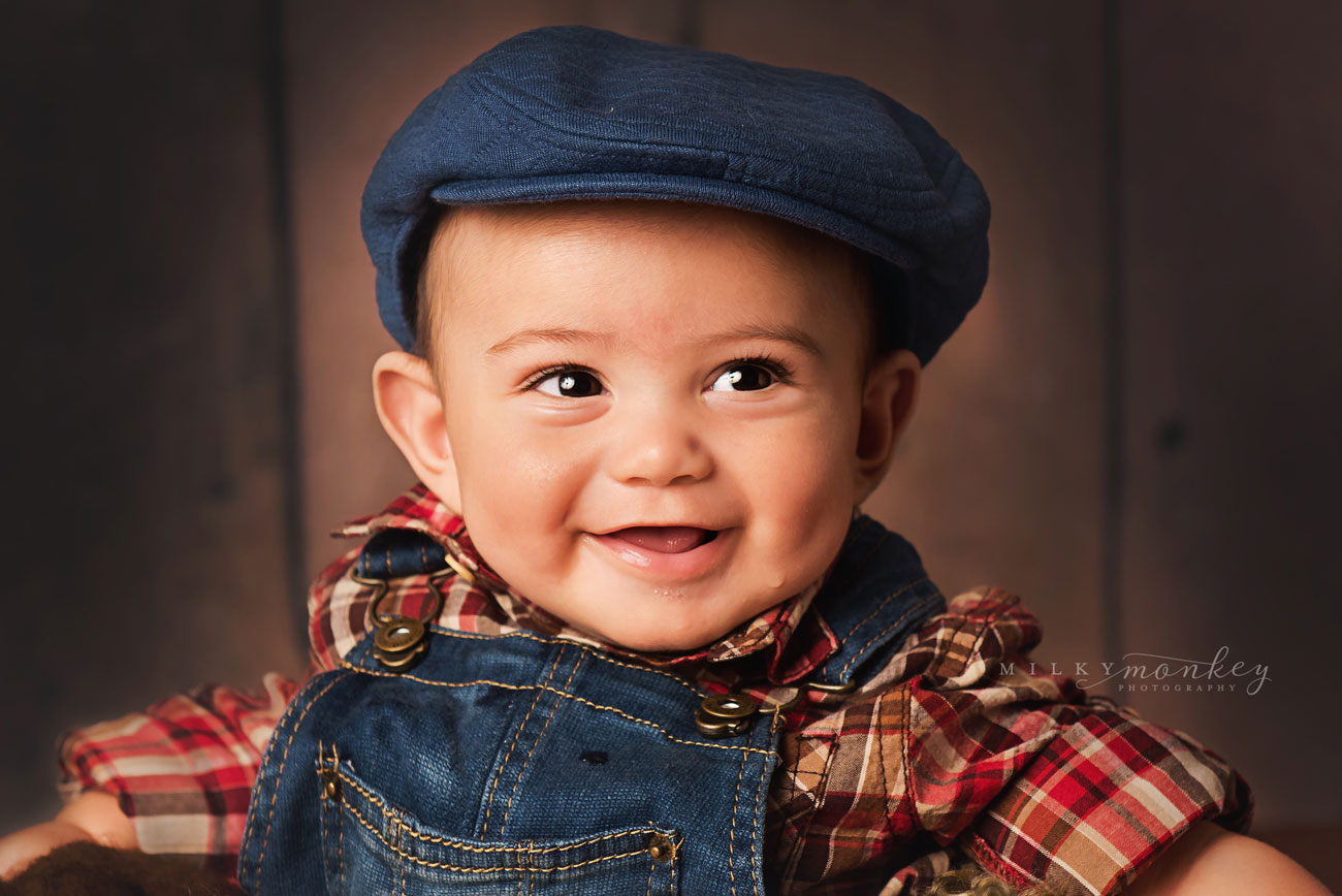 maryland-baby-photographer-baby-boy-with-grandpa-hat