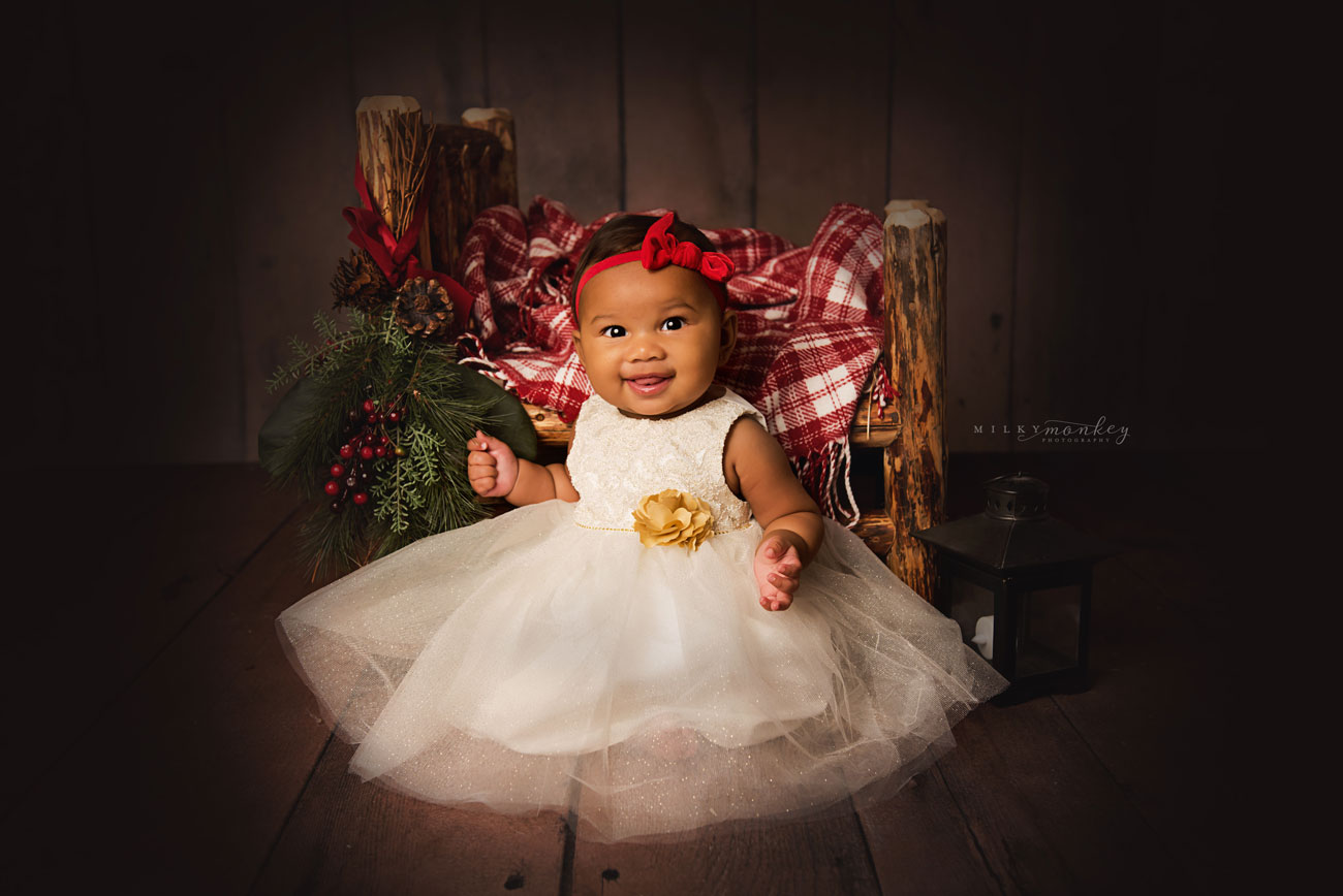 maryland-baby-photographer-christmas-picture-baby-with-red-and-white