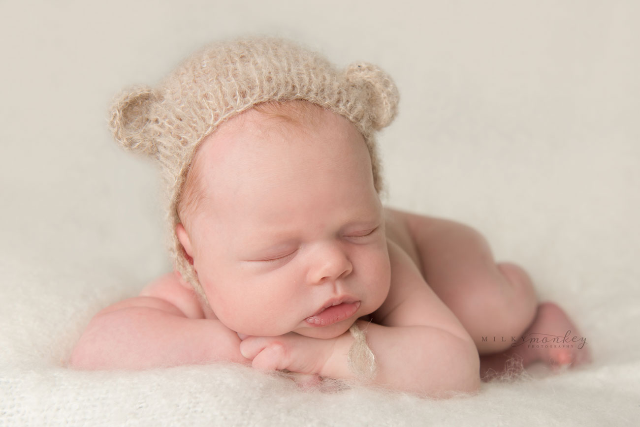 maryland–newborn-photographer-baby-with-bear-hat-milky-monkey-photography